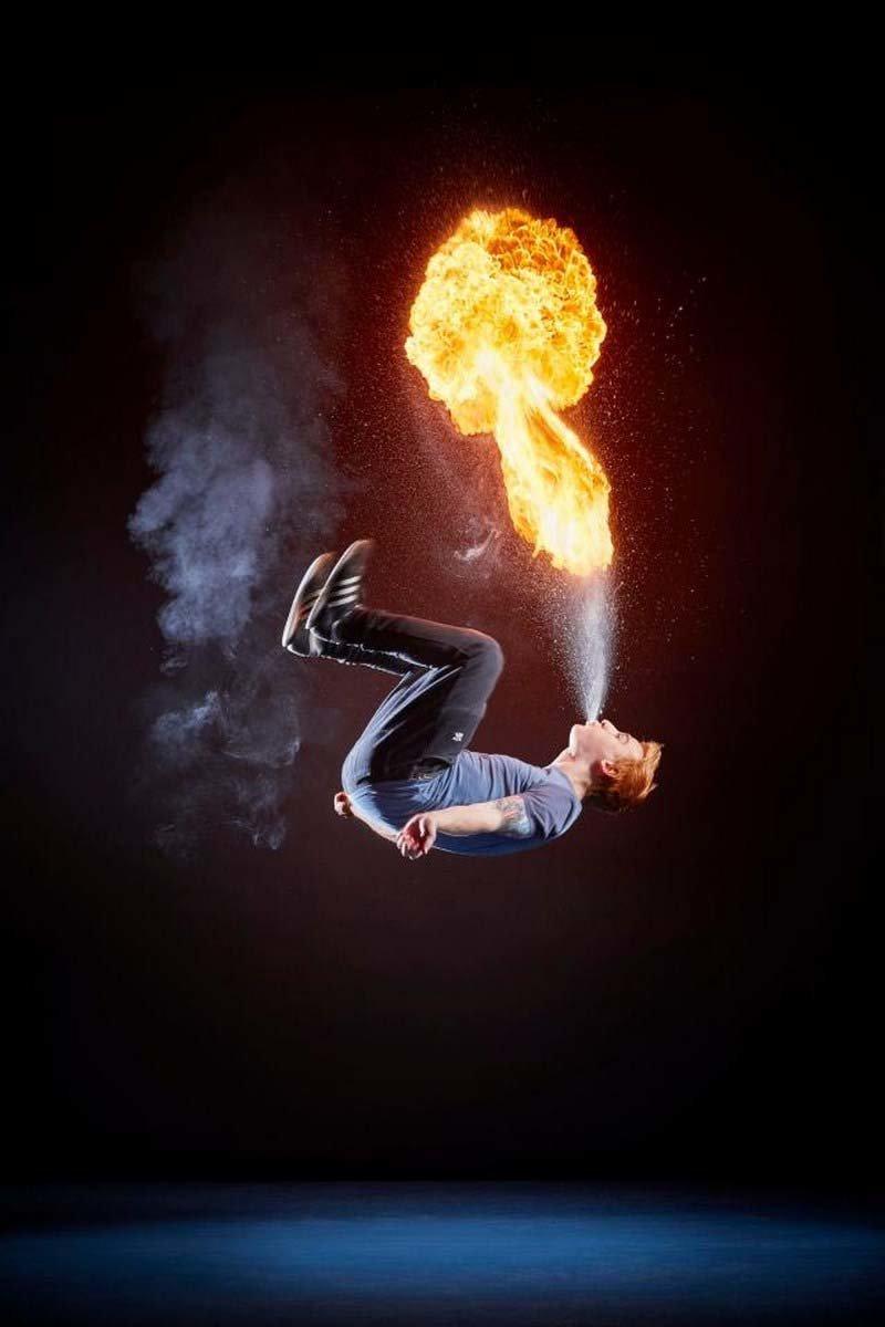 Райана Луни из Северной Ирландии за одну минуту смог сделать 14 обратных сальто, выдувая при этом изо рта огонь в мире, гиннесс, животные, люди, рекорд, факты