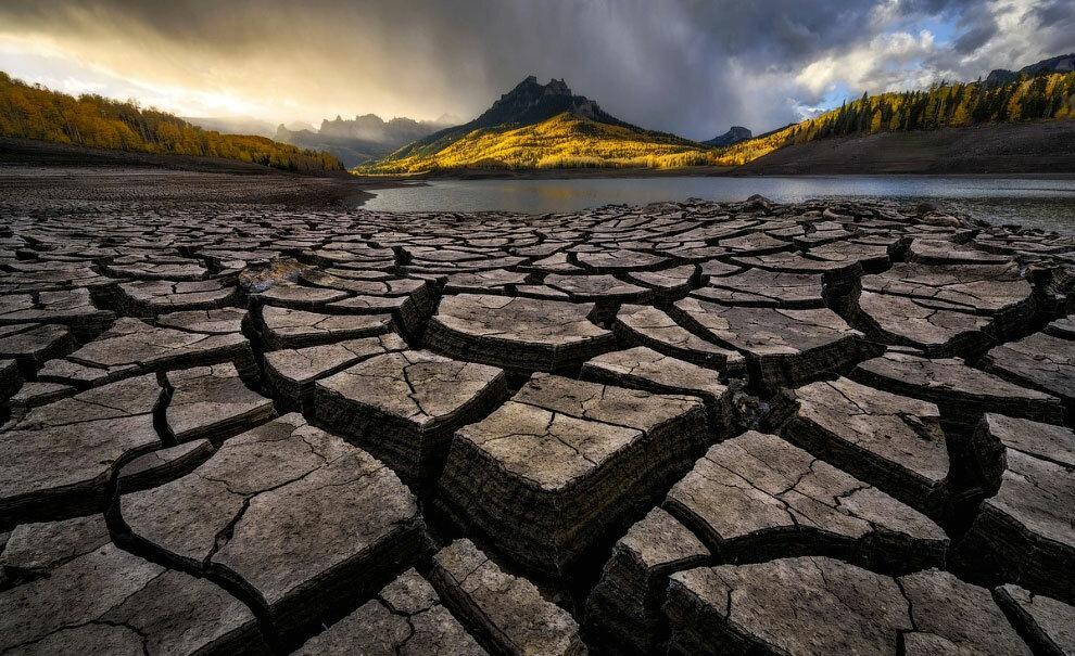 Полузасохшее озеро в Колорадо. Фото: Zack Clothier.
