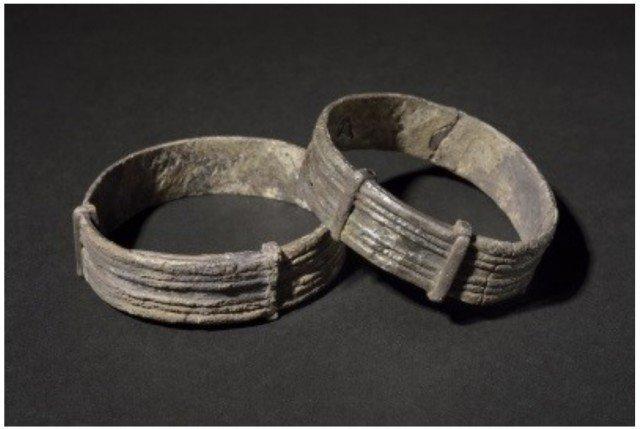 Мужские серебряные браслеты, но вот это уже совершенно точно не просто украшения! Это armilla (множественное число armillae ) – наградные браслеты легионера. Клады, археология, интересно, история, сокровища