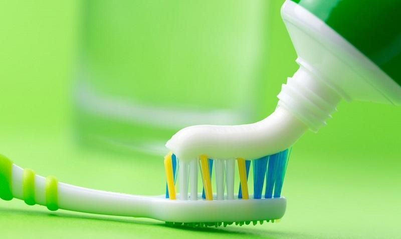применение зубной пасты в быту