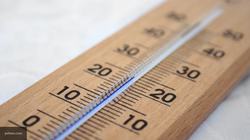 Гидрометцентр объяснил аномально теплую осень в России