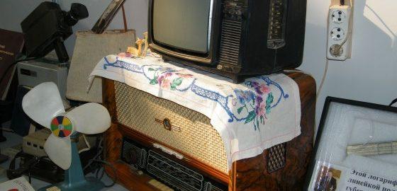 Россияне забивают болт на телевизор