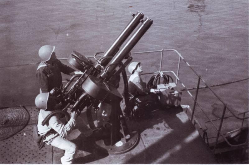 Негр, авианосец и BLM вмф