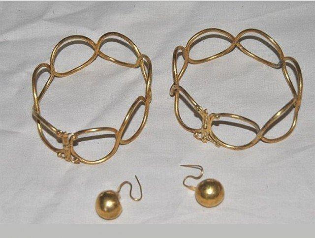 Золотые браслеты и сережки Клады, археология, интересно, история, сокровища
