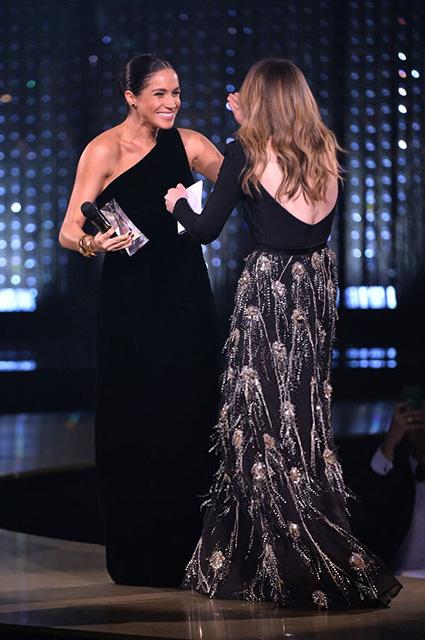 Беременная Меган Маркл шокировала гостей Fashion Awards — 2018 монархии, меган маркл