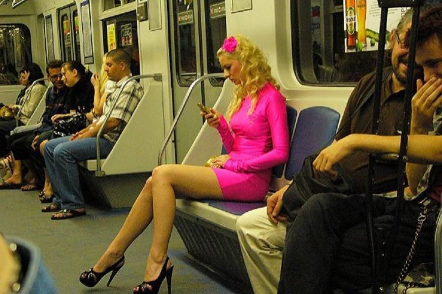 В Петербурге предложили штрафовать за забытые в метро вещи