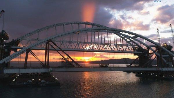 Крымчанка рассказала, как мост стал «последней каплей» в общении с сестрой-украинкой