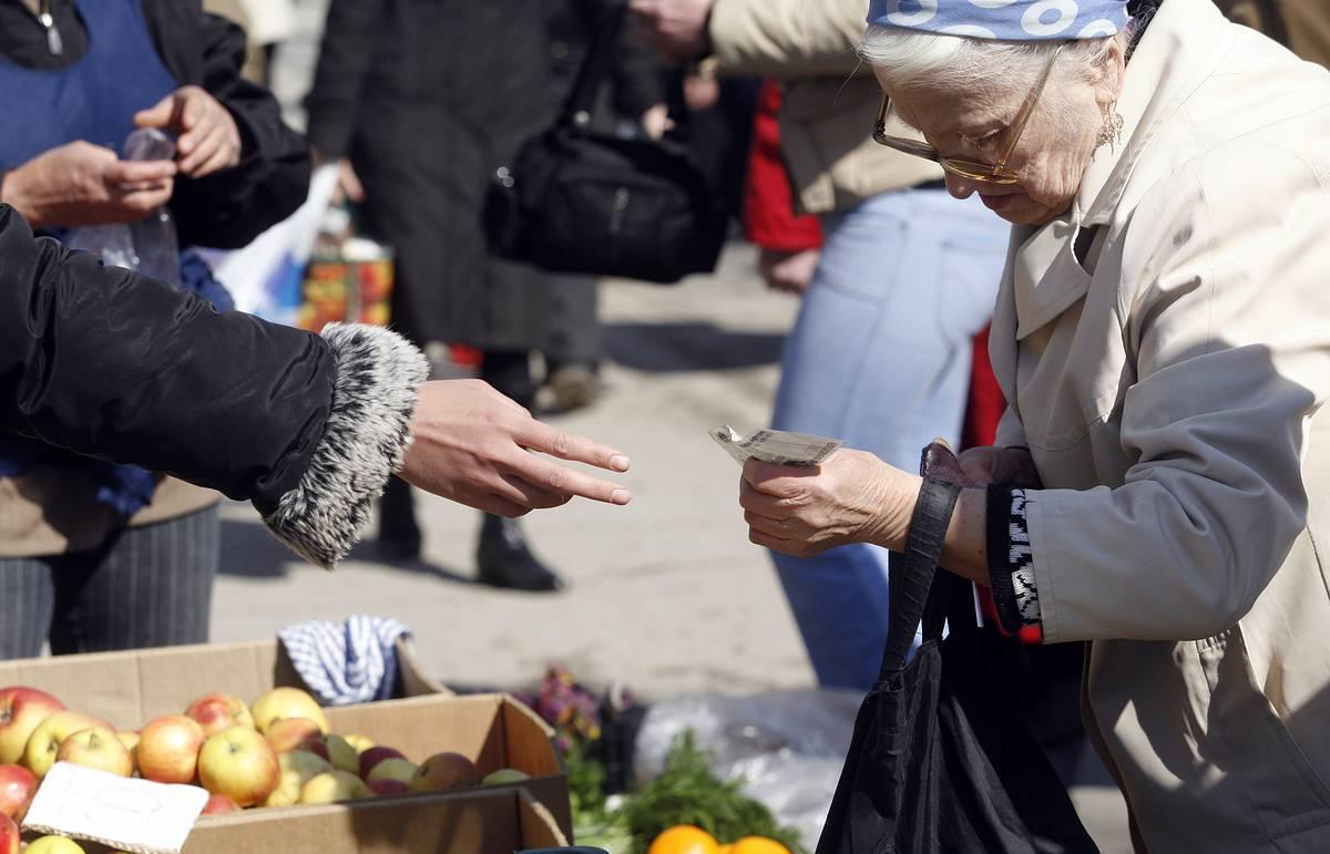 Повальное обнищание россиян может стать страшнее коронавируса