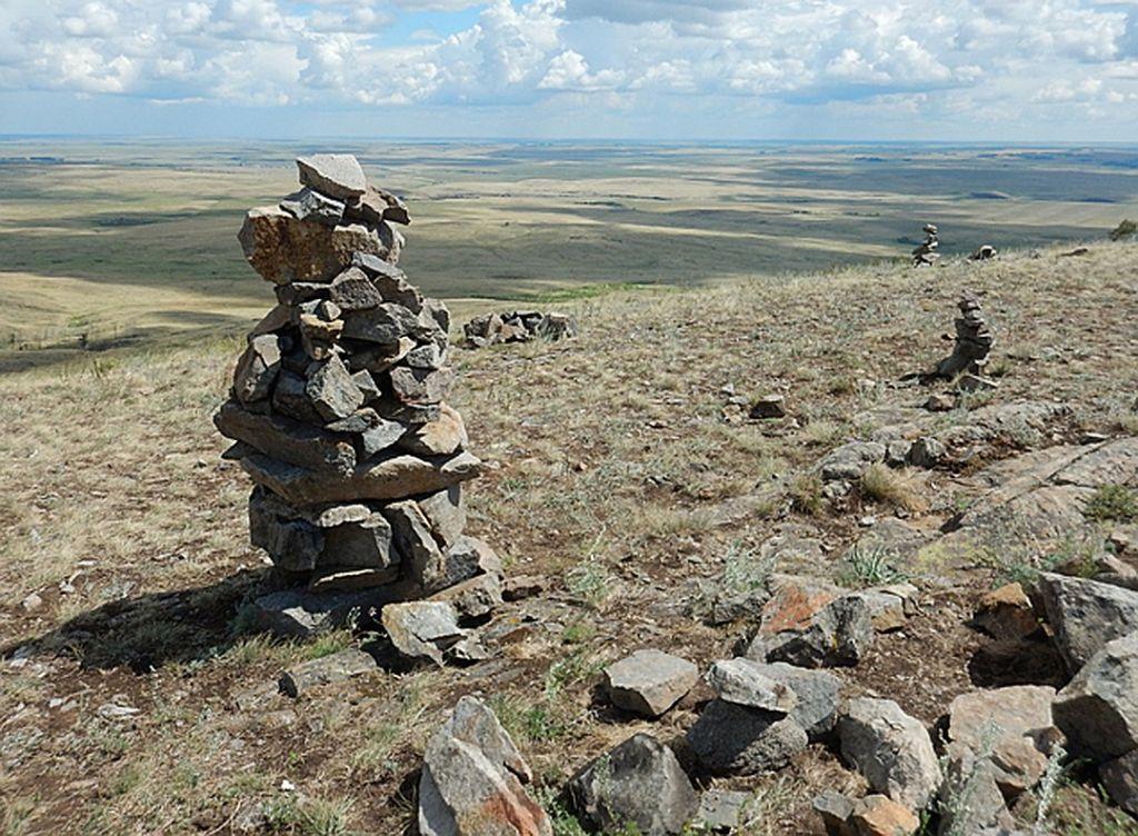 Каменные столбы на горе Меча. Фото - Николай Субботин.