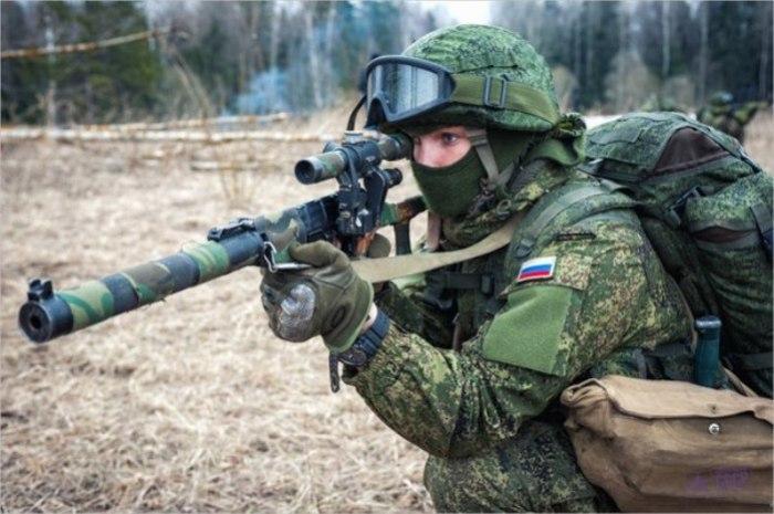 Снайпер с винтовкой ВСС.