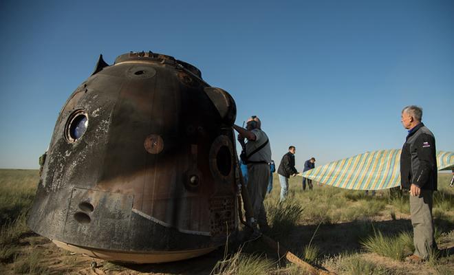 Как проходят 3 часа, когда космонавты спускаются с орбиты на Землю: видео высоте, километров, скорость, космонавты, Землю, капсулы, корабль, только, капсула, будут, всего, «Союз», также, части, космонавта, занимает, станции, дальше, тормозной, двигатель