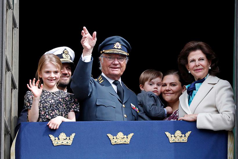 Как воспитывают детей в семьях монархов