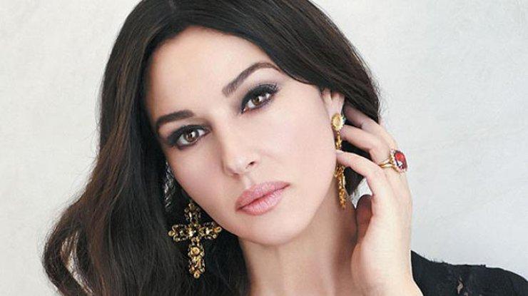 6 ошибок стиля Моники Беллуччи, которые портят ее красоту