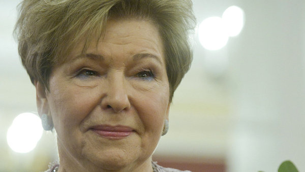 Вдова Ельцина призвала поклониться Гайдару как святому