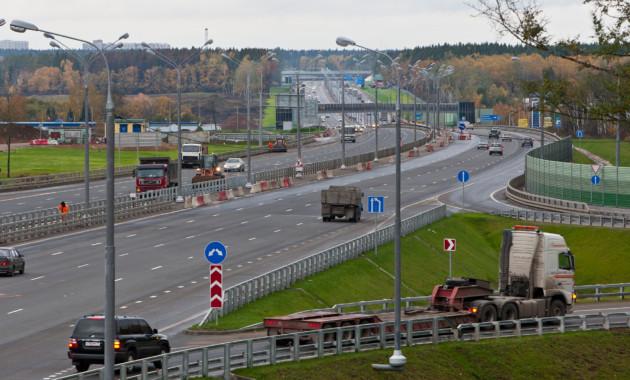 На трёх трассах в РФ появится 22 заправки для электрокаров