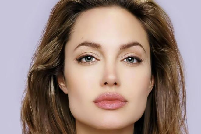 Ученые показали как выглядят идеальные женские губы
