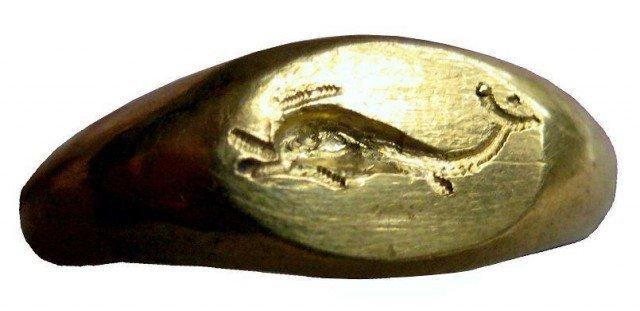 Перстень-печатка с дельфином ближе Клады, археология, интересно, история, сокровища