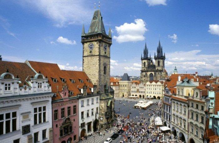 Исторический центр района Старого Города, заложенный еще в 12 веке, до 1784 считался отдельным городком.