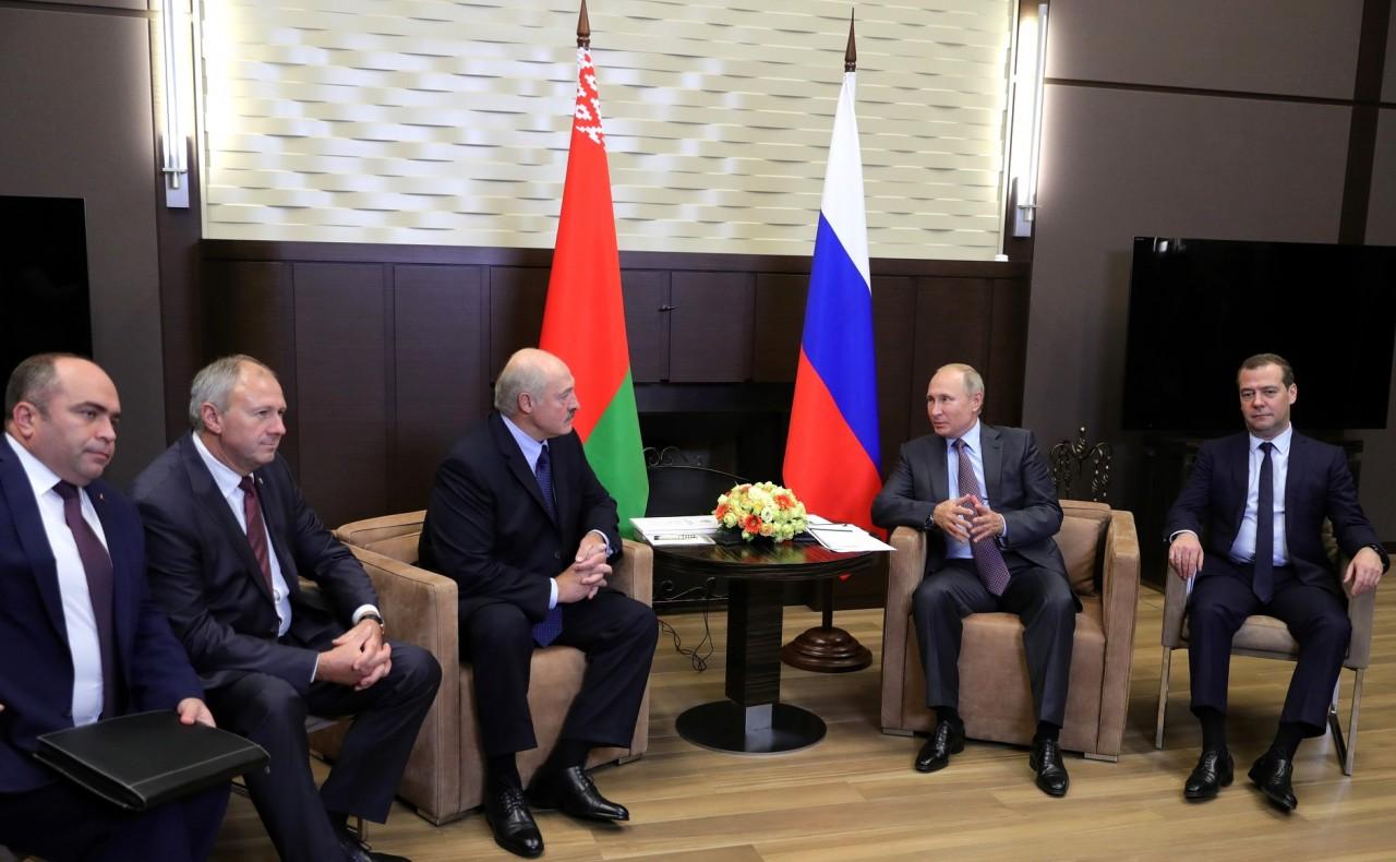 Звонок другу. О чем договорились и о чем не договорились Лукашенко и Путин