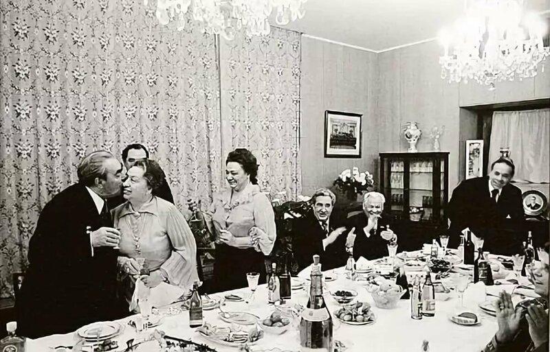 Леонид Брежнев СССР, вожди, история, новый год, праздник, традиции