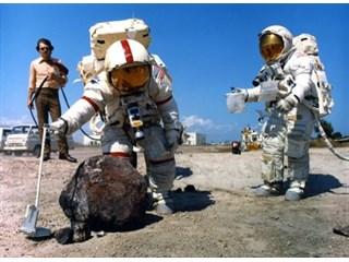 Победобесием здесь не пахнет: о юбилее высадки американцев на Луну