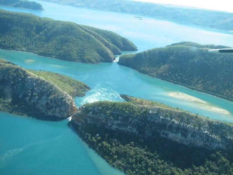 13. Горизонтальные водопады в заливе Толбот на западе Австралии красивые места, прекрасная планета, чудеса природы