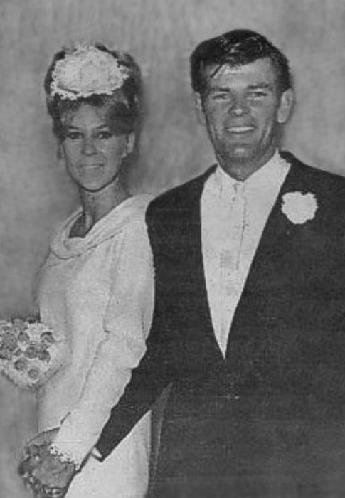 Дин Рид с первой женой. / Фото: www.anews.com