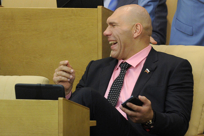 Валуева рассмешило предложение Собчак отправить Мутко в отставку