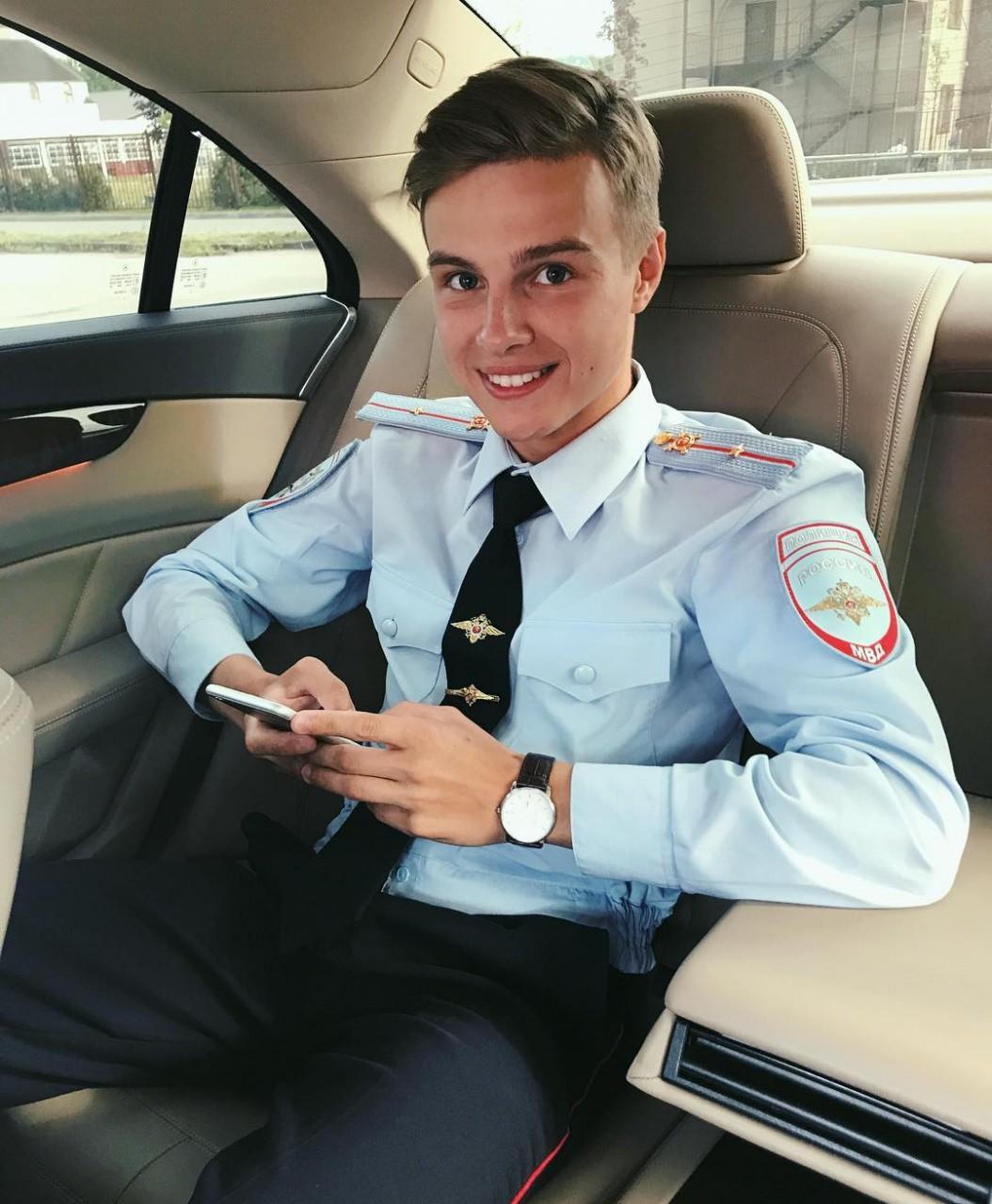 Красивые русские полицейские фото парней