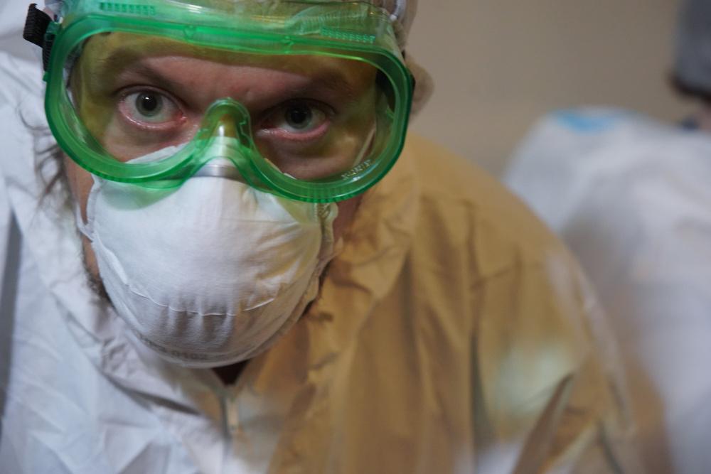 """""""Еще до пандемии люди умирали от ковид, но все молчали"""": в сети обсуждают заявление, что вирус появился еще в 2013 году"""