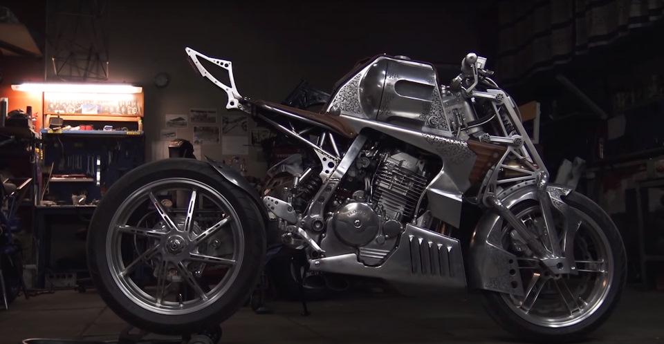 Револьвер на колесах: нереальный кастом из Honda