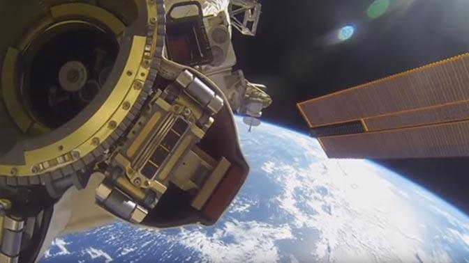 Камера МКС зафиксировала в космосе изображение человека без скафандра