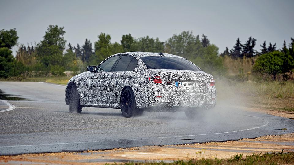 BMW M5 получит полный привод…