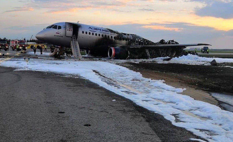 Глава Североморска как очевидец объяснил, почему выжившие брали ручную кладь в горящем самолете Катастрофа ssj-100