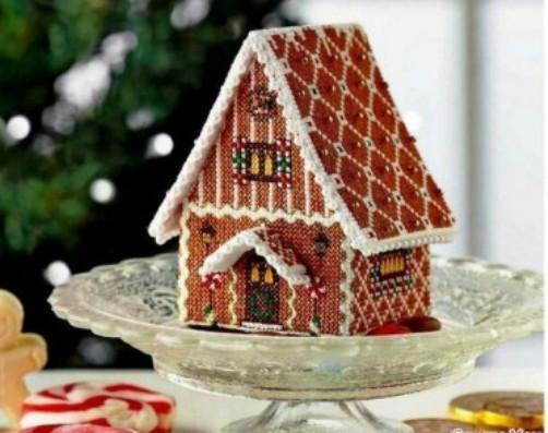 Объемная вышивка крестом —  пряничный домик