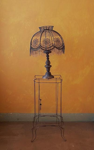 Ажурная лампа. Автор: Roberto Fanari.