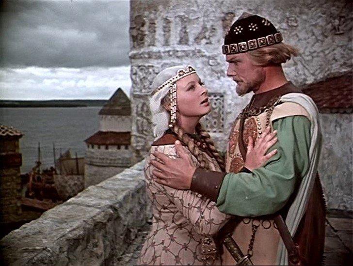Принцессы, королевы и просто девицы-красавицы русских фильмов-сказок