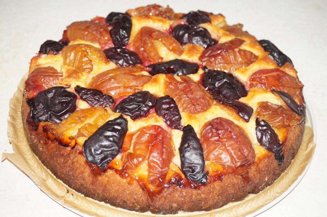 Пирог со сливами из домашнего очага