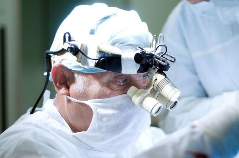Академик Арнольд Смеянович: 10 откровений нейрохирурга