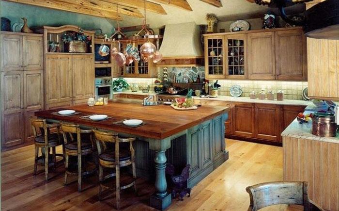 Потолочные деревянные балки