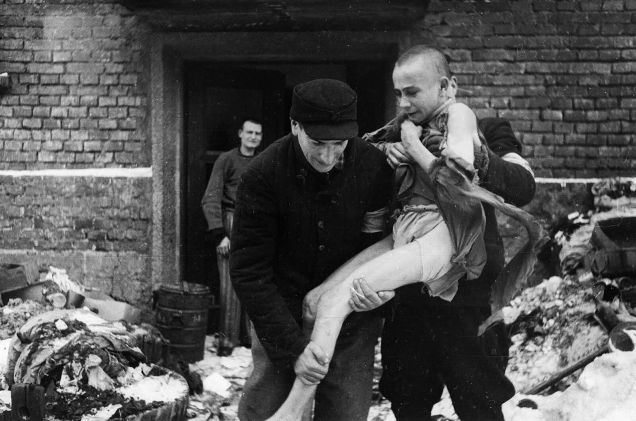 15-летний русский мальчик Иван Дудник, спасенный в 1945 году аушвиц, вторая мировая война, день памяти, конц.лагерь, концентрационный лагерь, освенцим, узники, холокост
