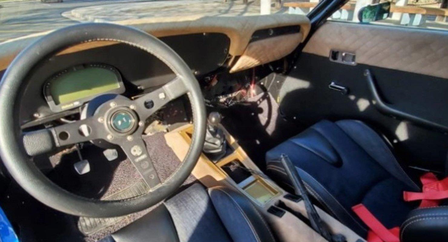 На аукционе продается полностью отреставрированная Toyota Celica 1974 года Автомобили