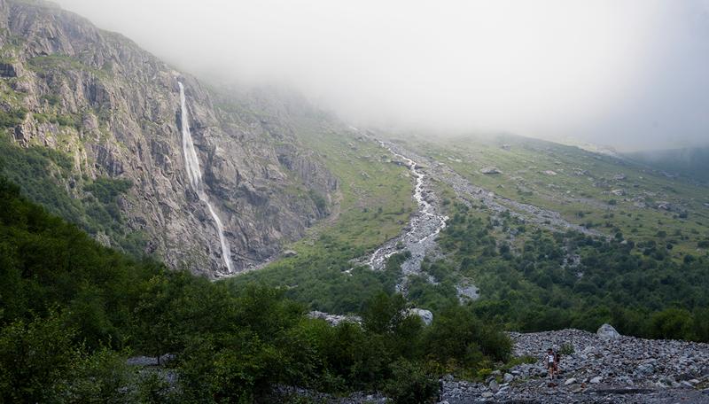 Призрачные водопады, крепость у семи пещер и город мертвых водопад, заброшенный город, крепость, пещеры, северная осетия