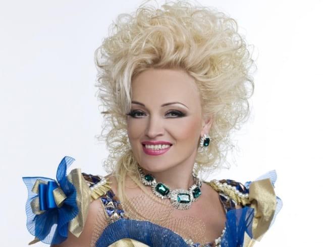 «Сделали старушку из красивой женщины», — поклонники возмущены новым образом Надежды Кадышевой