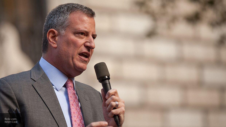 Мэр Нью-Йорка сравнил ситуацию с распространением COVID-19 с войной