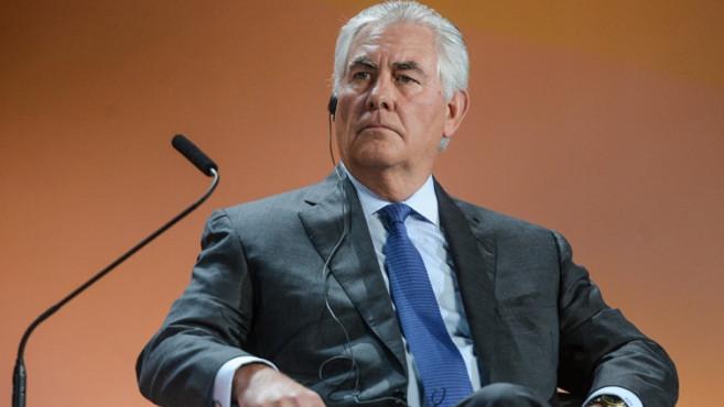 Вашингтон по-прежнему считает выполнение минских соглашений по Украине в качестве условия возвращения России в G7, заявил госсекретарь США Рекс Тиллерсон