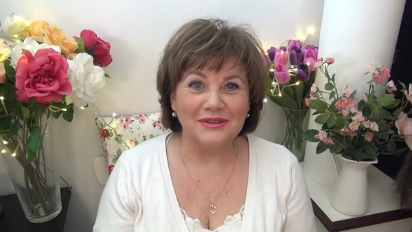 На фото Ольга Седых, автор макияжа, блогер