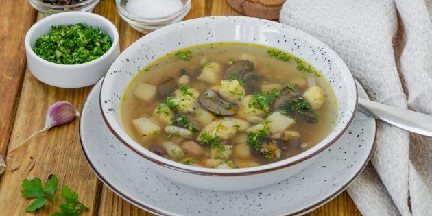 Фасолевый суп с грибами: простой рецепт