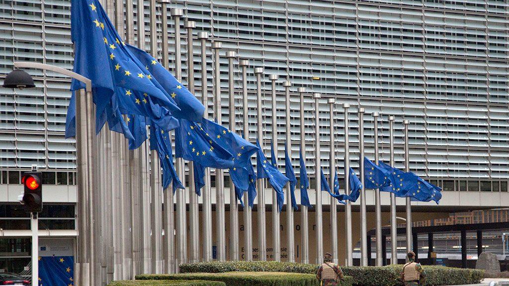 Евродепутат рассказал, когда могут снять антироссийские санкции