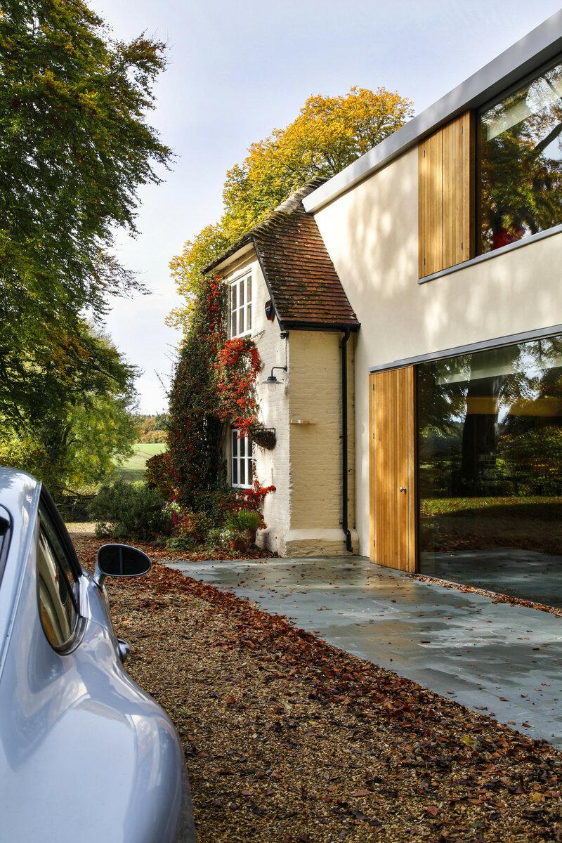 На стыке времен: современная пристройка к историческому зданию. Как сделать красиво идеи для дома,интерьер и дизайн,ремонт и строительство